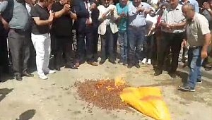 Fındık yakarak fiyatı protesto ettiler