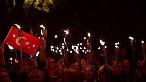 Ünye'de Cumhuriyet bayramı Fener Alayı düzenlendi