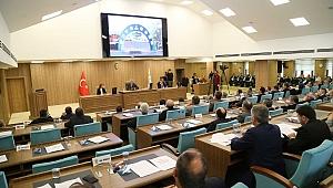 Başkan Enver Yılmaz Meclis'te çalışmaları anlattı