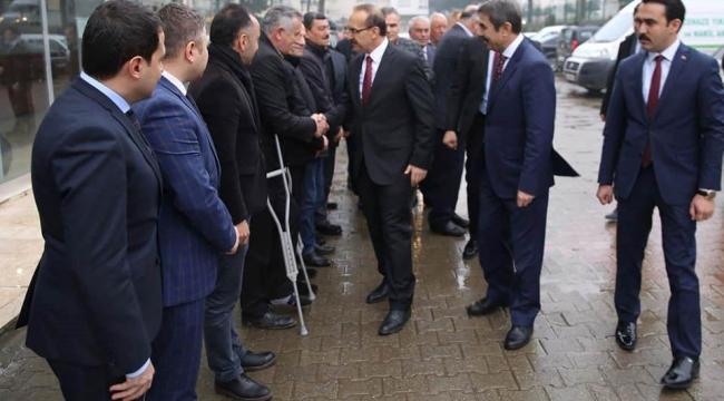 Vali Yavuz, Gülyalı İlçesini Ziyaret Etti