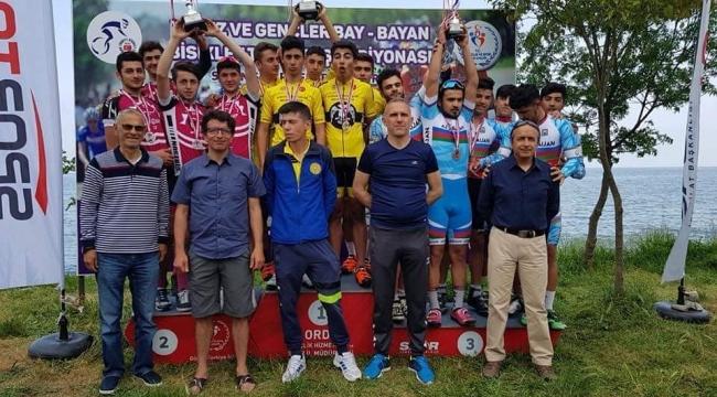 Çekişmeli geçen Türkiye bisiklet yarışması sona erdi
