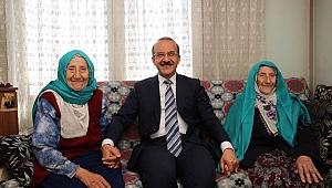 Vali Yavuz'dan Yaşlıları Sevindiren Ziyaret