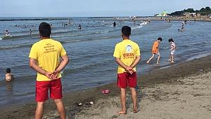 Cankurtaranlar sahilde görev başında