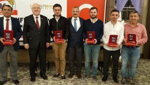19 Eylül Gazeteciler Derneği 'Başarılı Gazetecileri' ödüllendirdi