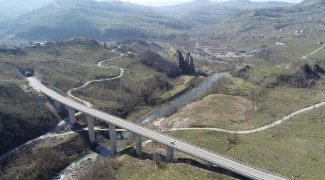 Melet vadisindeki asırlık yol drone ile görüntülendi