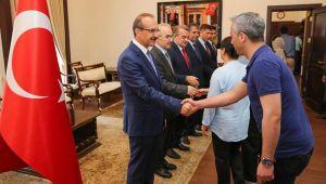 Vali Yavuz, İçişleri Personelleri İle Bayramlaştı