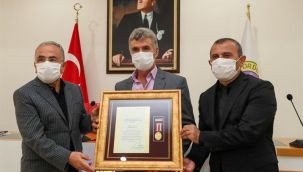Şehit Aileleri ve Gazilere, Devlet Övünç Madalyası ve Beratı verildi